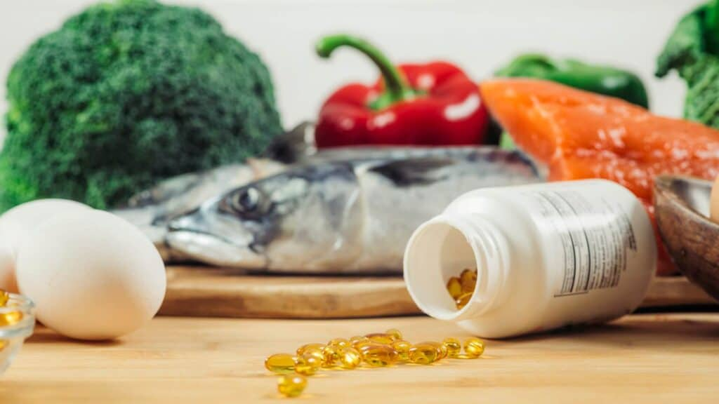 vitamin-d-gel-capsules-and-natural-sources-of-vita-UEHPZ85
