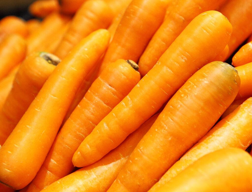 Купчина свежи моркови